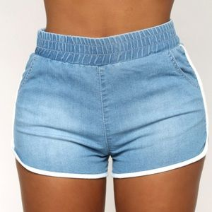 Fashion Nova Sexy Denim Shorts NWT Size Small